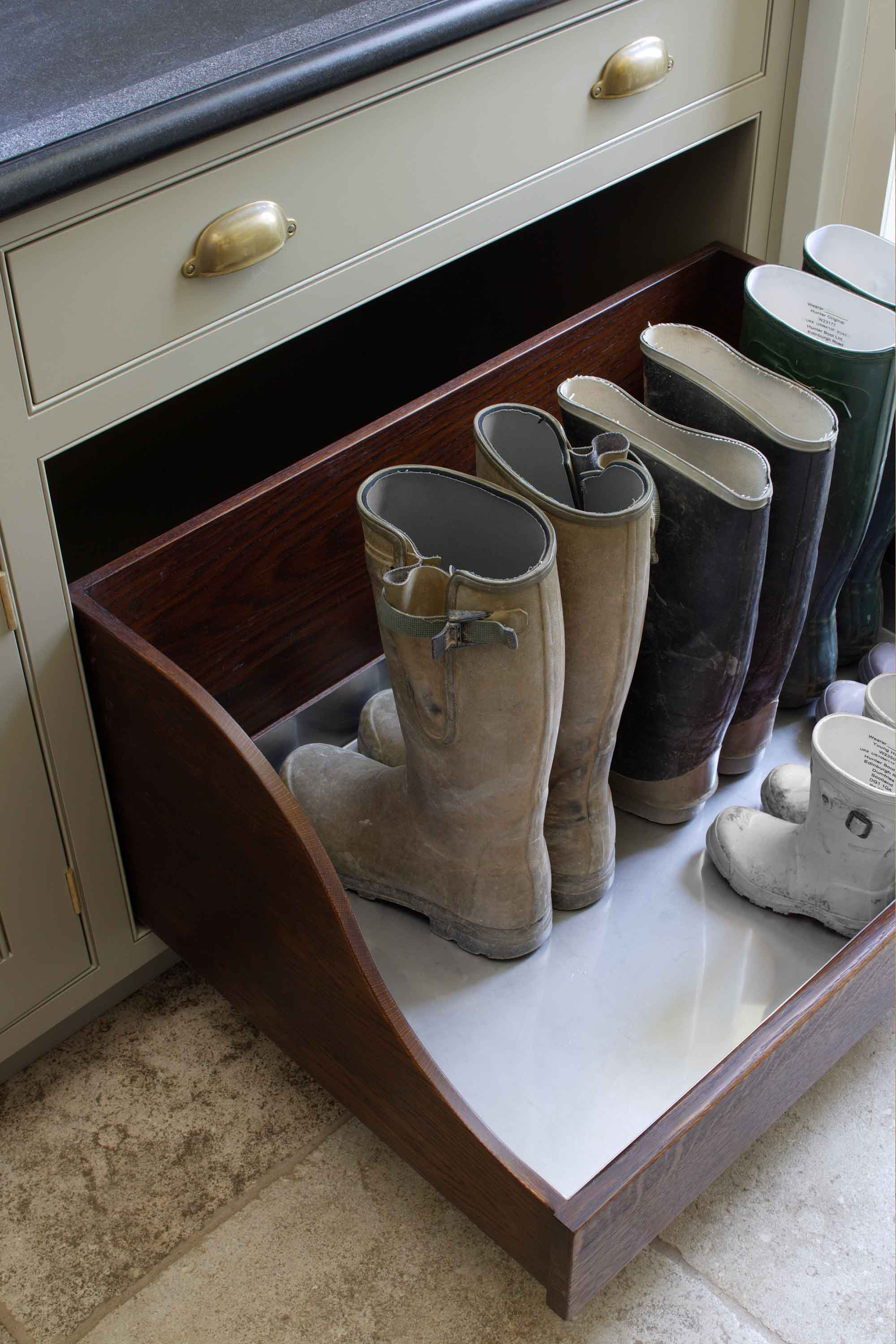 Boot drawers have removable stainless steel linings