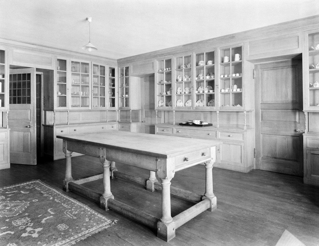 The butler's pantry at Castle Drogo. The castle was begun in 1911 and completed in 1930 to designs by Sir Edwin Lutyens for Julius Drewe. Not Used CL 10/08/1945