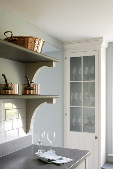 Shelves in a Georgian kitchen design