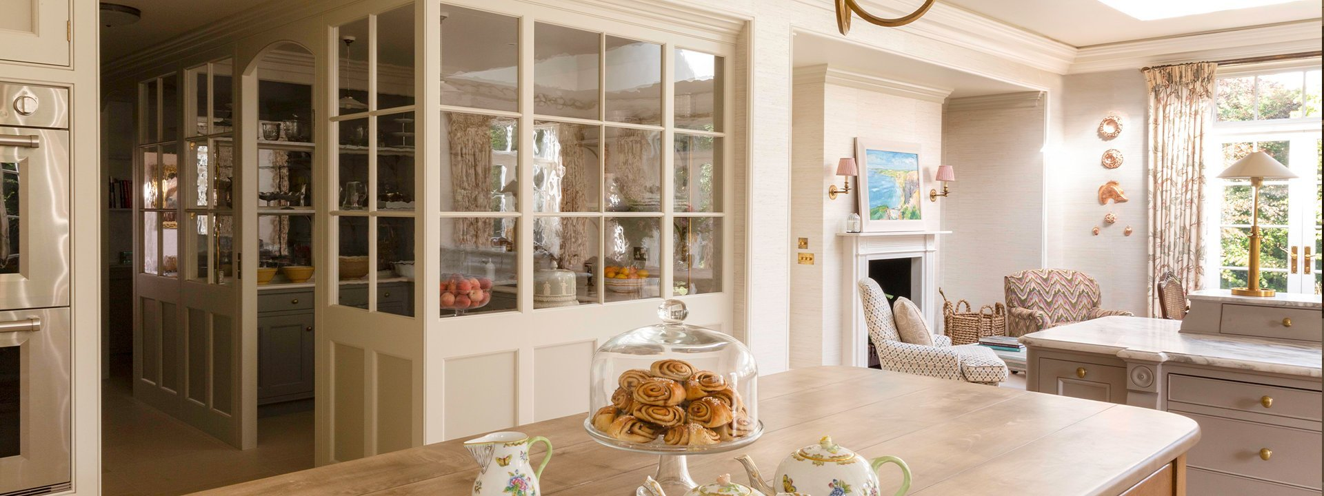 Classic English kitchen design in a Regency house
