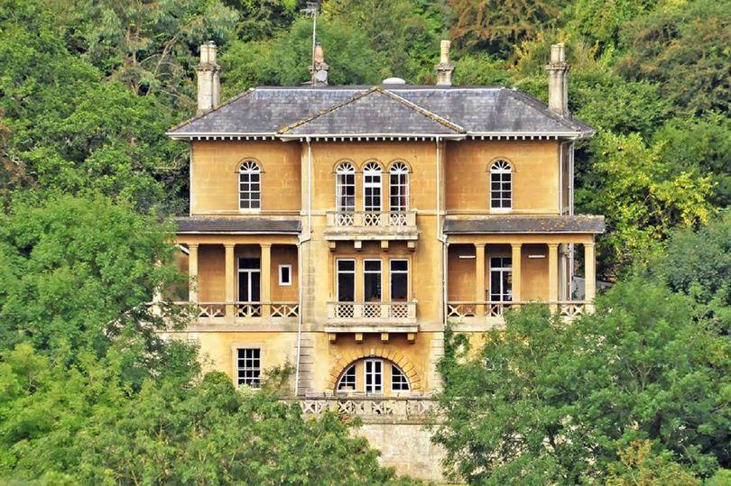Italianate style villa house