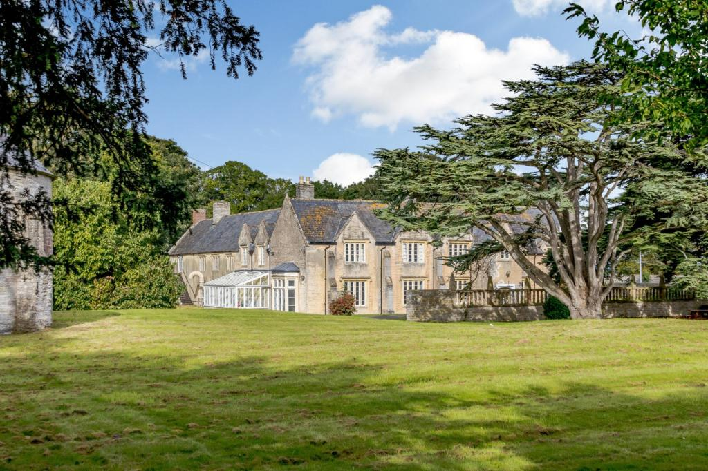 Shapwick Manor in Somerset For Sale