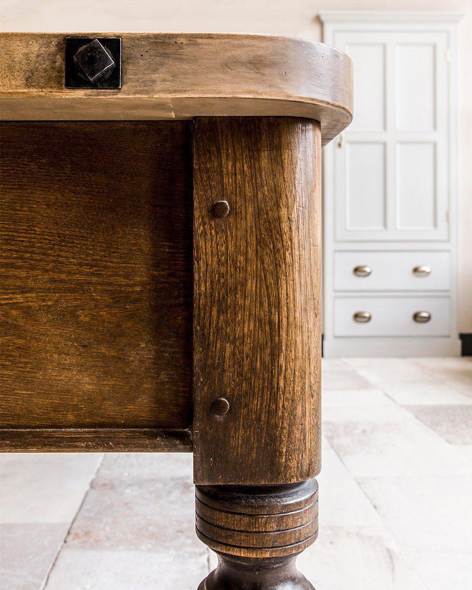 bespoke joinery kitchen table finishing