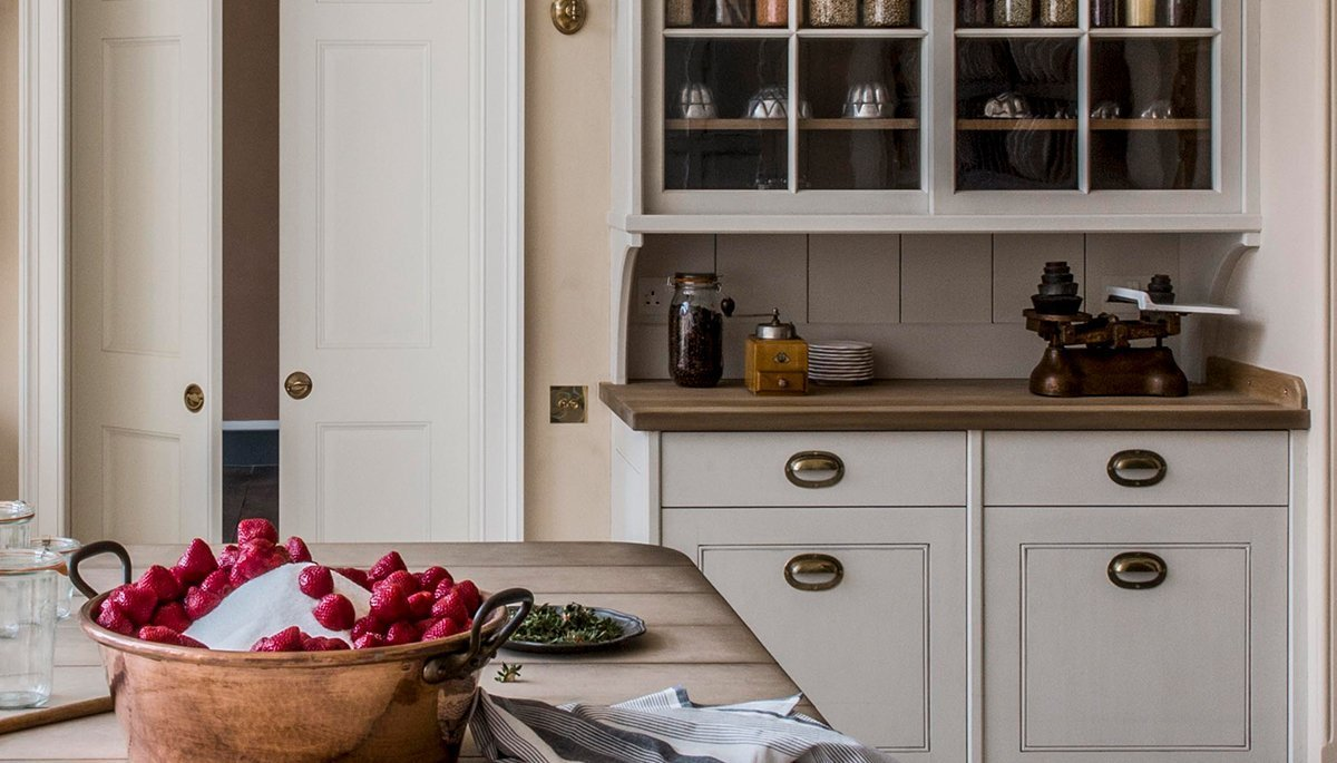 traditional pantry design