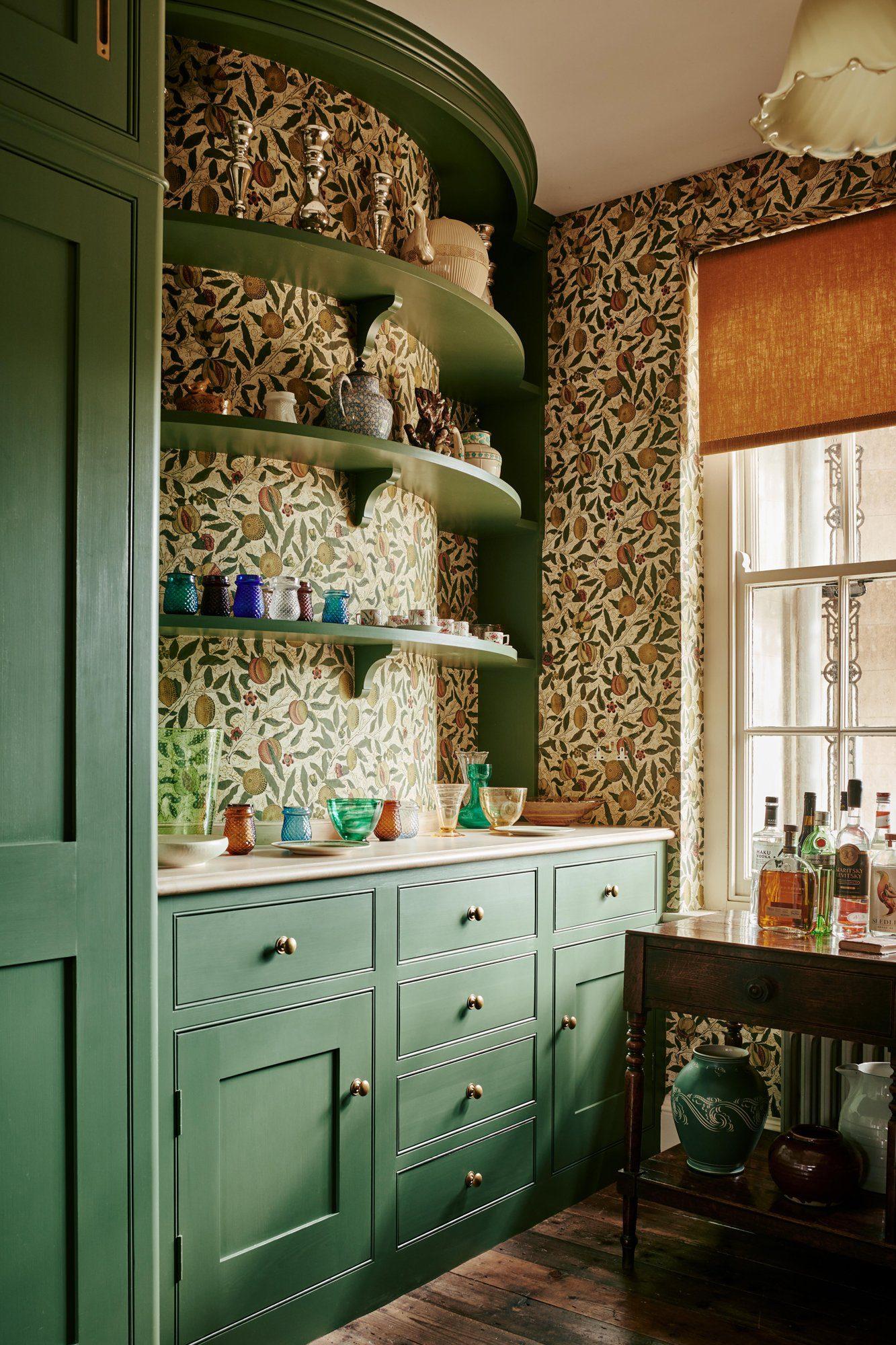 Kitchen with Allyson McDermott wallpaper